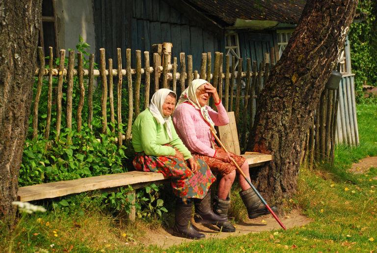 Жили две старушки в одной избе