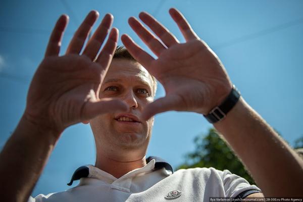 Школота и оппозиционеры отвернулись от Навального