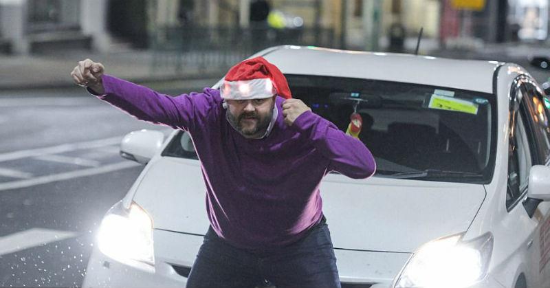 Британцы знают толк в алкоголе и рождественских гуляниях