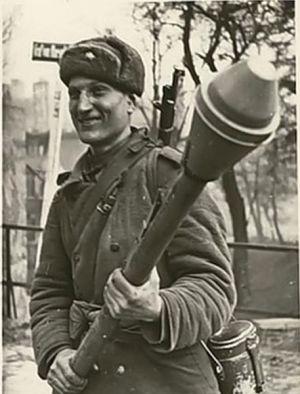 Василий Ватаман: как и какое оружие использовал не по назначению самый отчаянный рукопашник Великой Отечественной