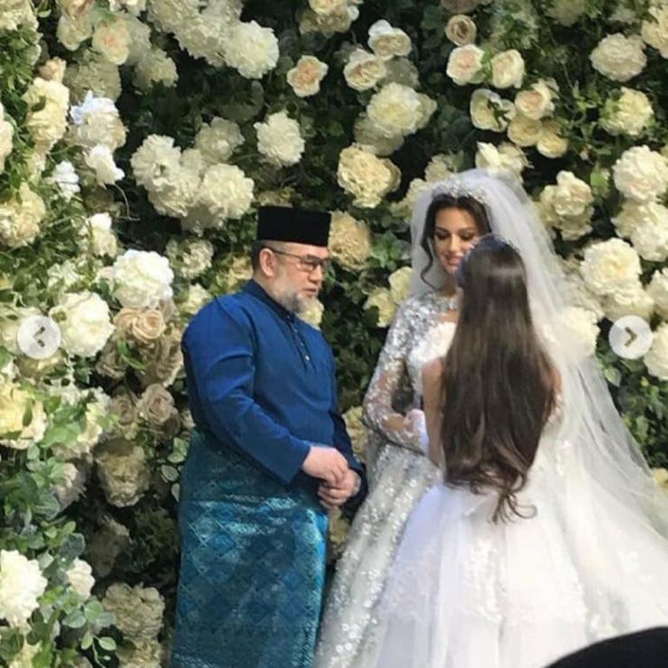 Король Малайзии женился на «…