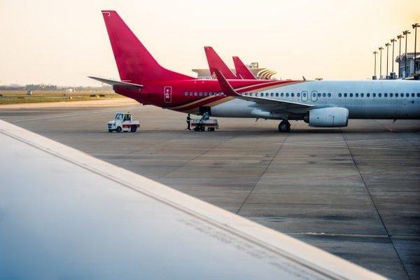 Что за досмотр российского самолета устроили в аэропорту Англии?