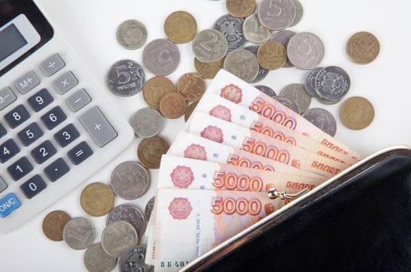 Переданные приставам долги россиян по кредитам превысили 2 трлн рублей