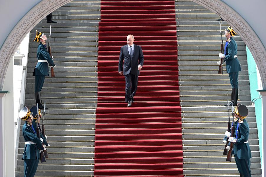 Путин слаб. Европа слаба. Тр…