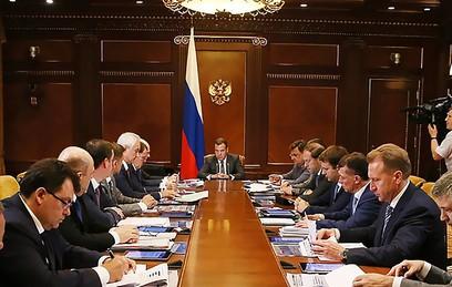 Медведев выделил региональным бюджетам 36 млрд рублей