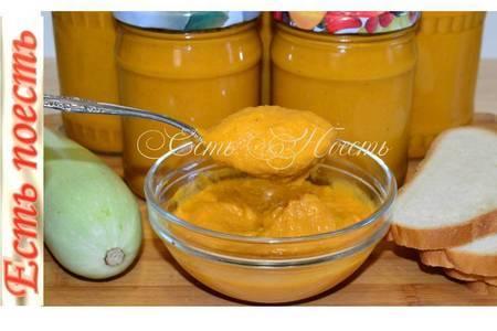 Фото к рецепту: Кабачковая икра с жареным луком и морковью на зиму