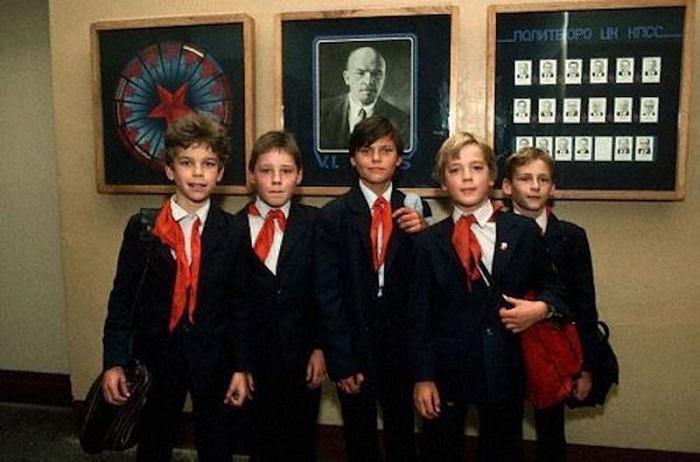 Школа строгого режима, или Какие школьные запреты существовали в Советском Союзе