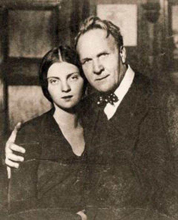 Федор Шаляпин с дочерью.