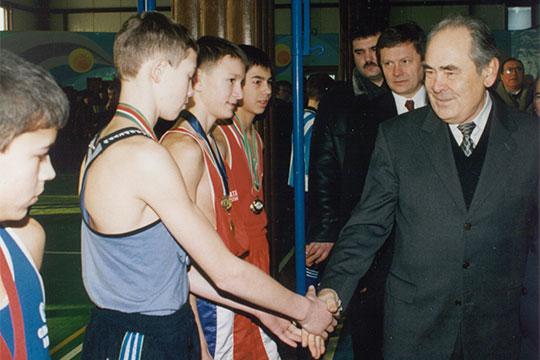 «Я лет 20 следил за тем, что делает Шаймиев: каждый раз, когда его челядь или московская челядь лезла в его отношения с народом, Шаймиев отвечал мгновенно»