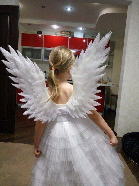 Мама сделала своими руками. Потрясные крылья!