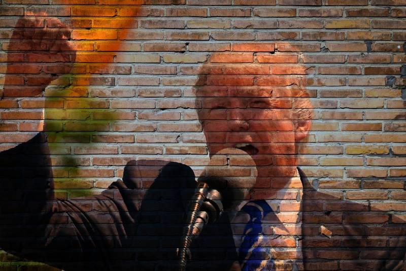 Стена на границе с Мексикой разделила Америку