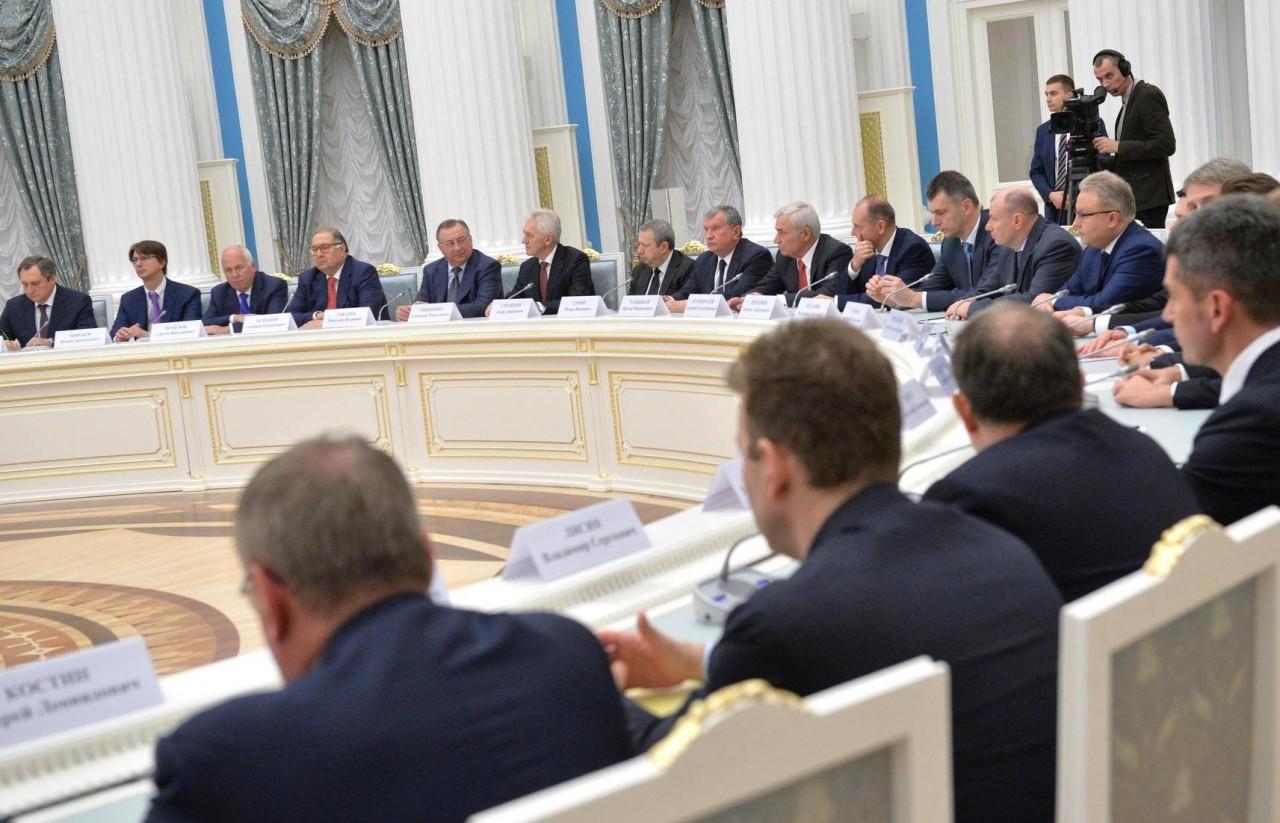 Страх перед санкциями: российские олигархи тратят безумные деньги на лоббистов из Вашингтона