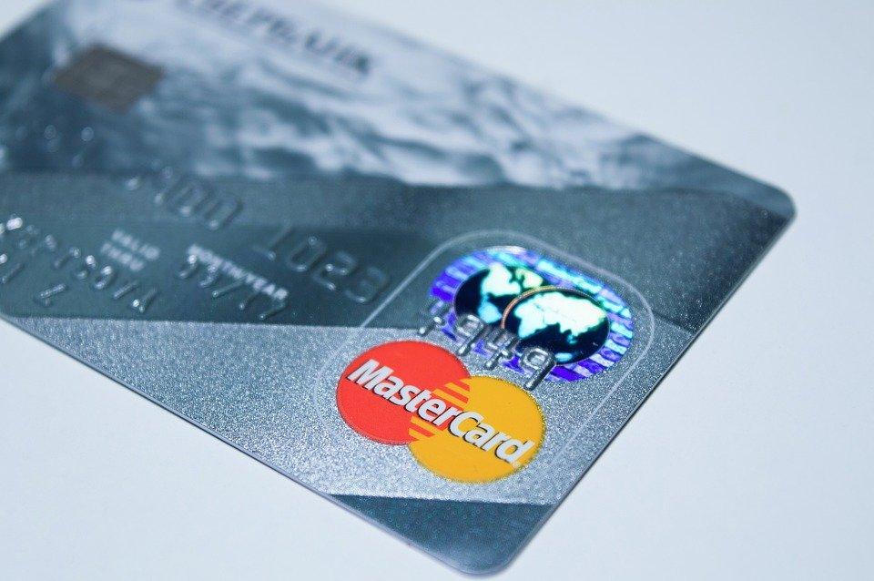 Mastercard изменит правила работы с платными подписками