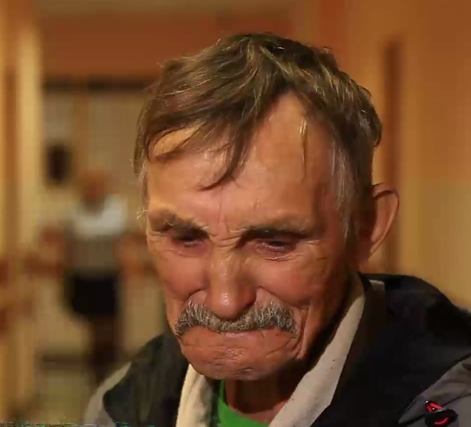 На Урале осудили ветерана за выросший на участке мак. Во время приговора мужчина расплакался.