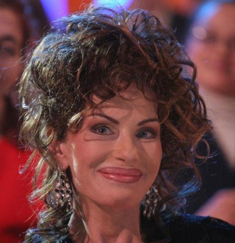 Уже готова вернуться на сцену! 65-летняя Ирина Понаровская сменила имидж