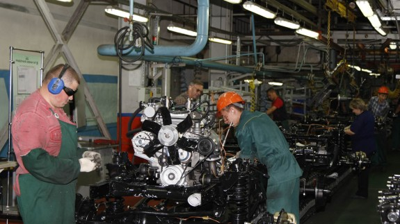 «АСМ-холдинг»: за 5 месяцев выпуск транспортных средств в России сократился на 3,8%