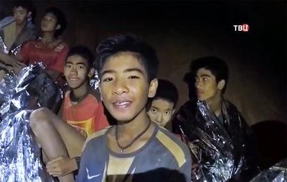 Спасатели рассказали о состоянии спасенных из пещеры детей