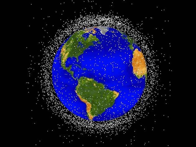 Космический мусор будут убирать вениками, пылесосами и гарпунами