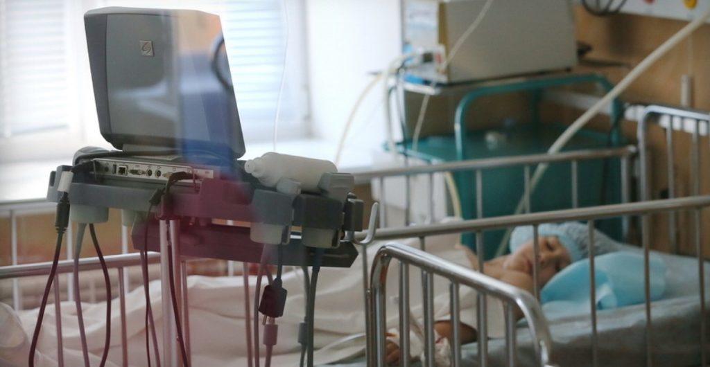 Врачи отрезали пациентке грудь, удалили матку и яичники, чтобы вылечить от рака, которого у нее не было