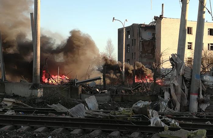 На заводе пиротехники в Ленинградской области произошел взрыв