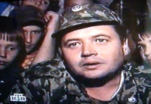 Как в 1998 году майор Беляев на танке выбивал себе зарплату.