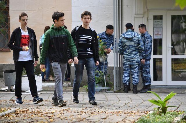 Керченский колледж возобновил работу после трагедии 17 октября