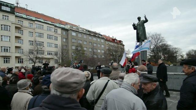 В Праге прошел митинг в защиту памятника маршалу Коневу
