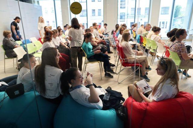 Свыше 2 тысяч волонтеров ФИФА записались в избирательный штаб Собянина