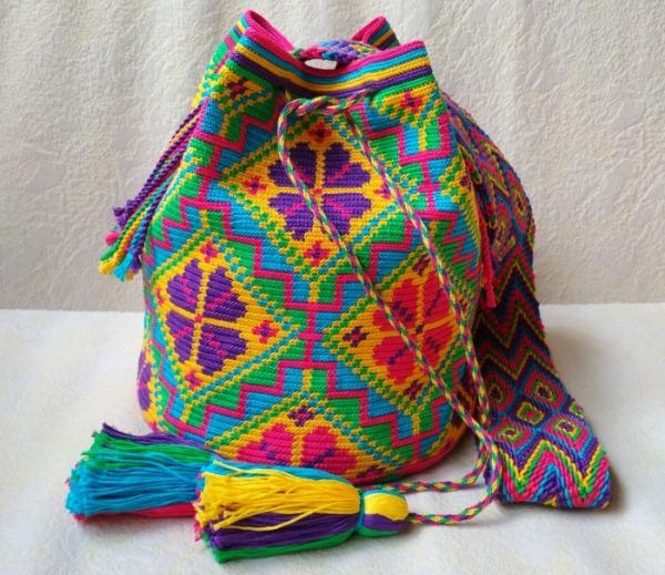 Колумбийская сумка-мочила: особенности вязки изделия