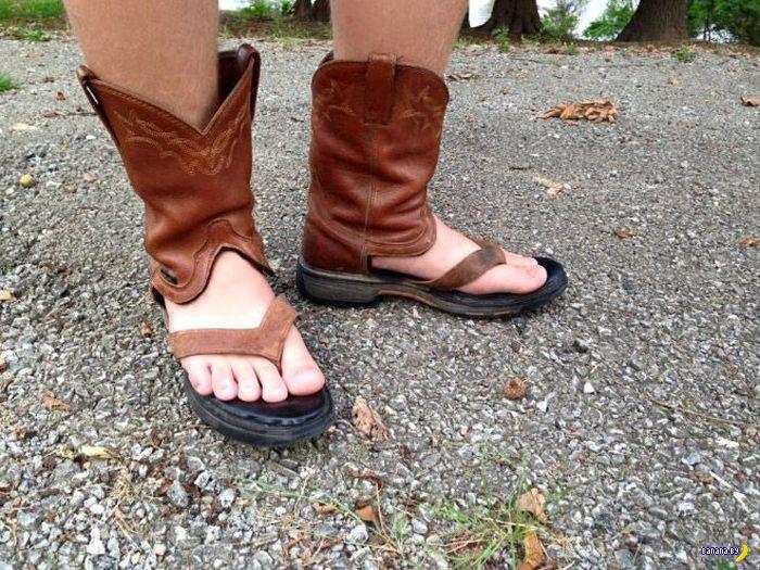 Ковбойские сандали в рейтинге самой уродливой обуви