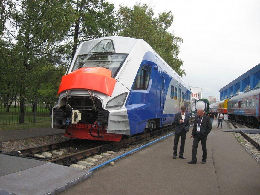 Электропоезд нового поколения: представлена новая версия «Иволги»