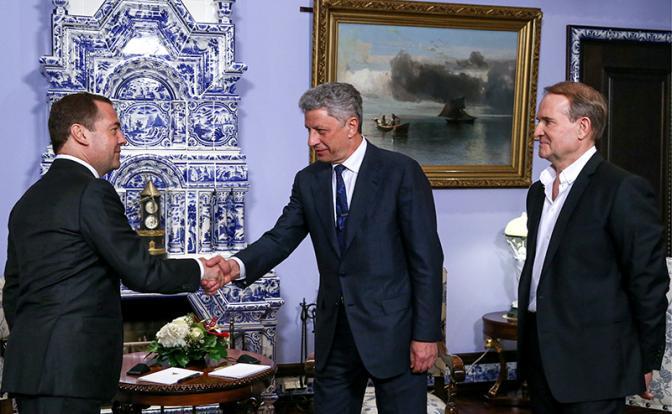 «Газпром» дал в руки Бойко трубу, чтобы огреть Порошенко