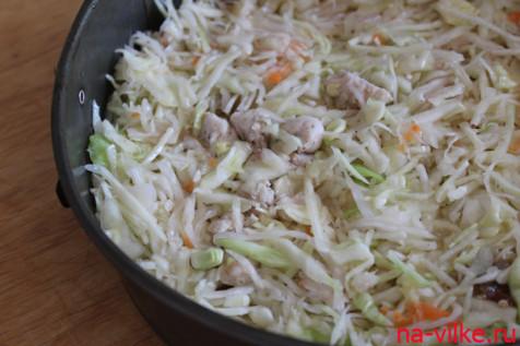 Готовим начинку из капусты и курицы для пирога