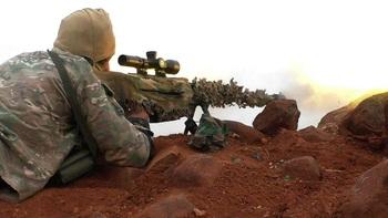 Ликвидацию украинским снайпером пулеметчика ДНР сняли на видео