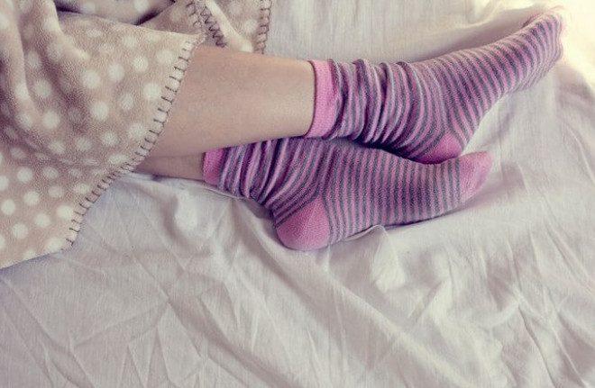 Что произойдёт с вашим телом, если вы будете спать в носках?