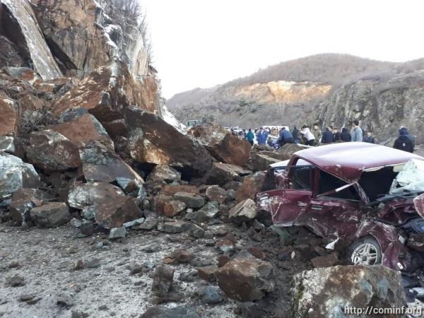 Обломок скалы вЮжной Осетии…