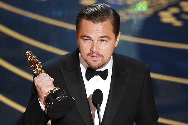 """Леонардо ДиКаприо заставили вернуть """"Оскар"""""""