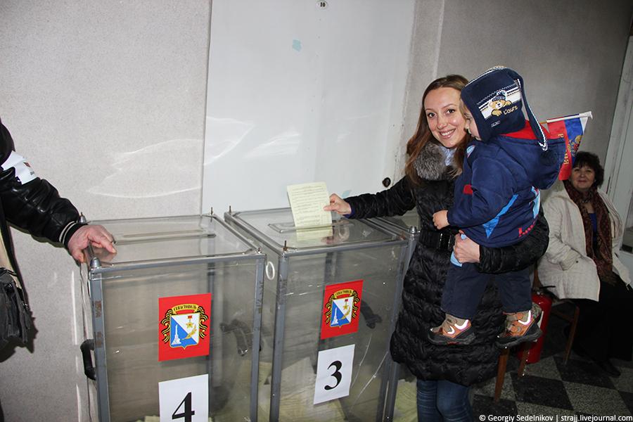 Сравним референдум в Крыму и в Каталонии