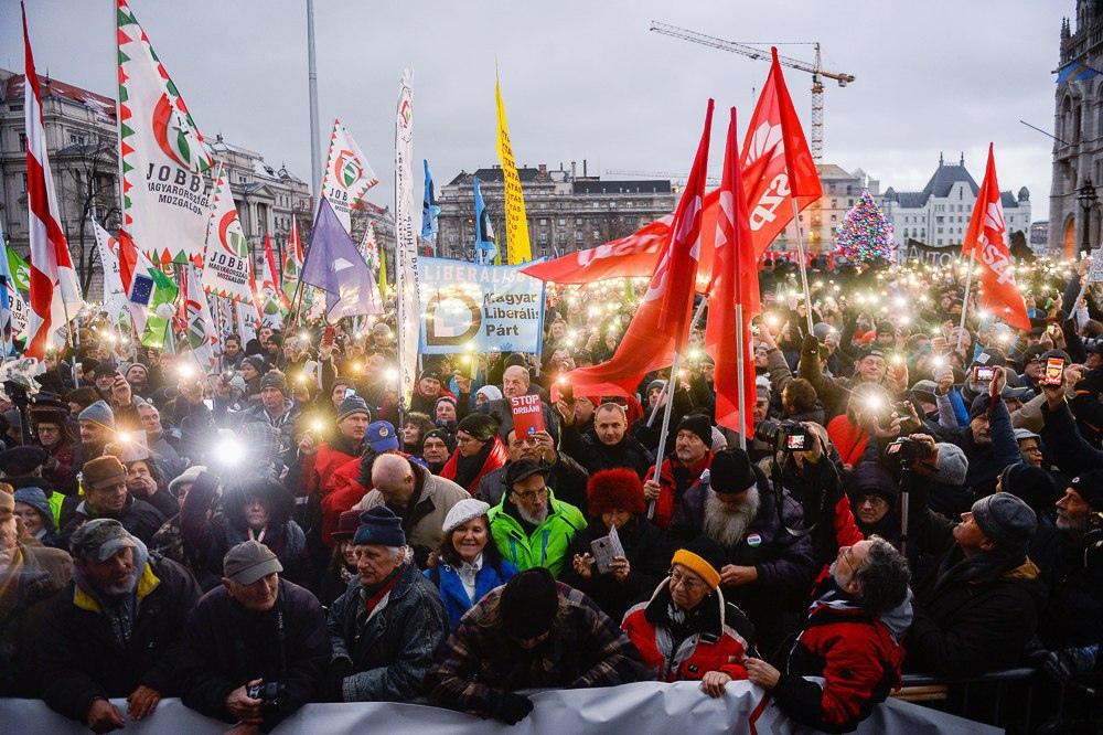 В Будапеште прошли массовые демонстрации против «закона о рабстве»
