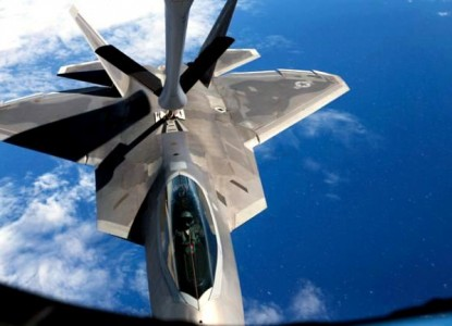 «Невидимку» F-22 объявили бесполезным
