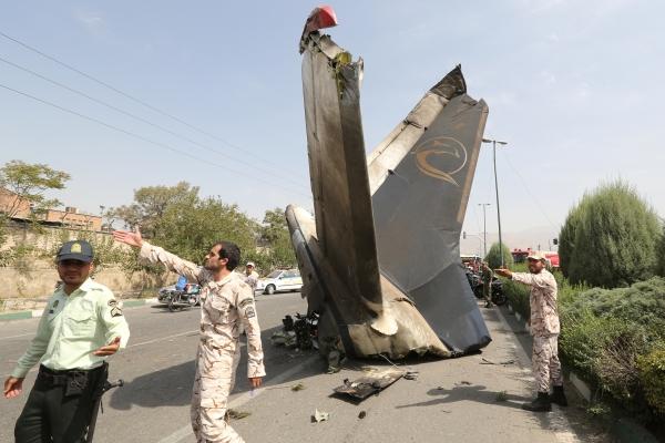 Из-за  режима санкций парк самолетов  Ирана  не обновлялся десятилетиями. Катастрофа Iran-140
