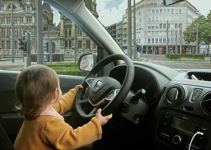 Ты никогда не молод, чтобы научиться управлять машиной!