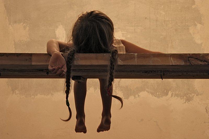 Монологи людей, чье детство было сущим адом. Тяжелая статья, читать людям с крепкими нервами