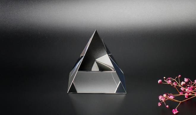 Хрустальная пирамида
