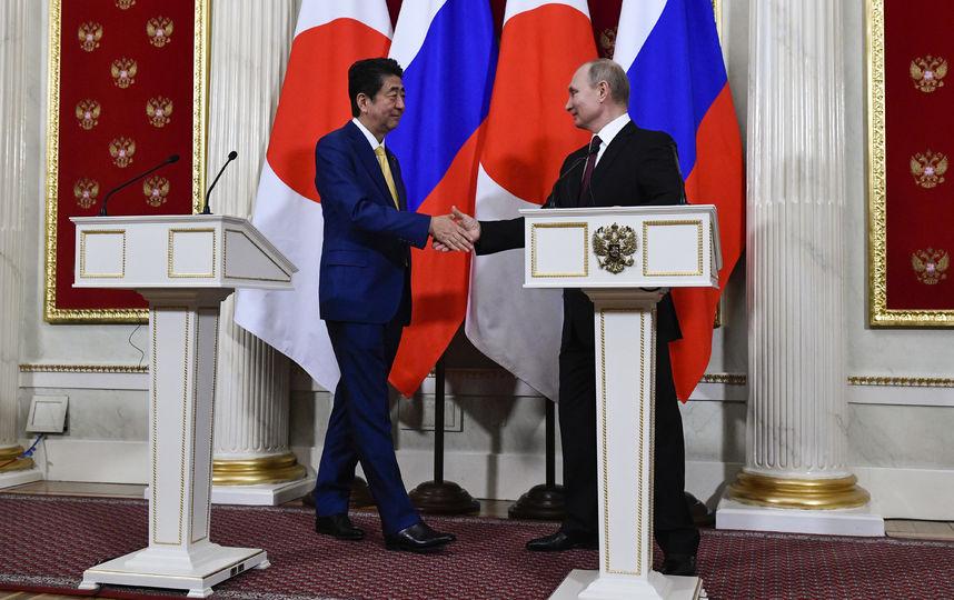 Путин и Абэ поговорили о Кур…