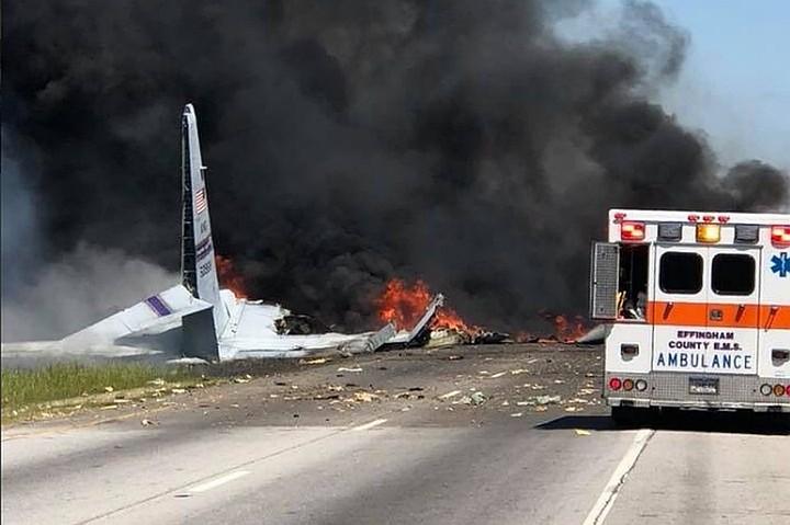 Названа возможная причина крушения военного самолета в штате Джорджия