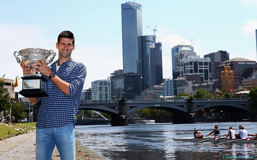 Сербский теннисист Новак Джокович одержал победу на Открытом чемпионате Австралии 2015 в Мельбурне.