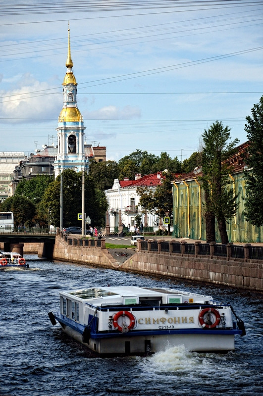 Run through the streets of the Central district of Saint Petersburg