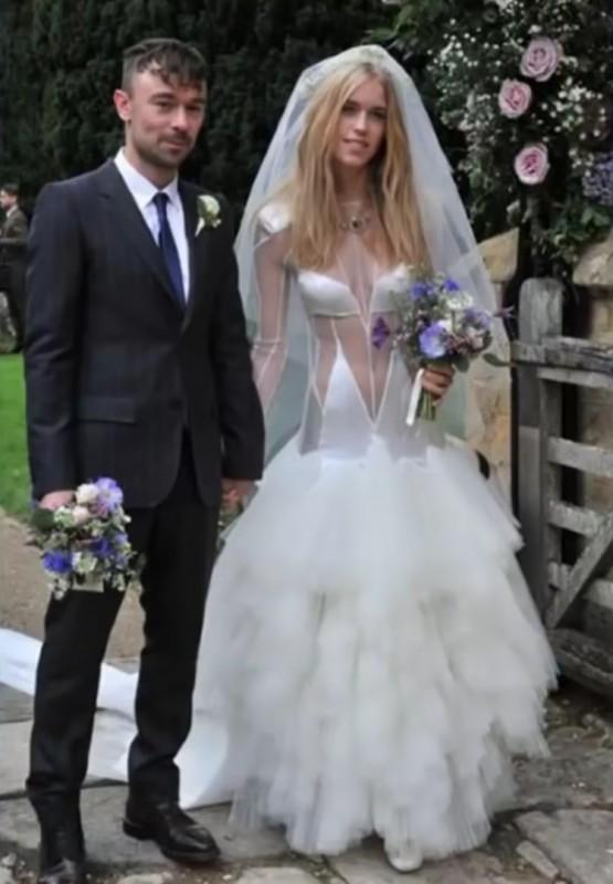 10. Она напоминает недостриженного пуделя невесты, свадебное платье