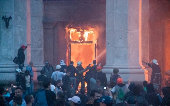 В Одессе гибнут поджигатели Дома профсоюзов